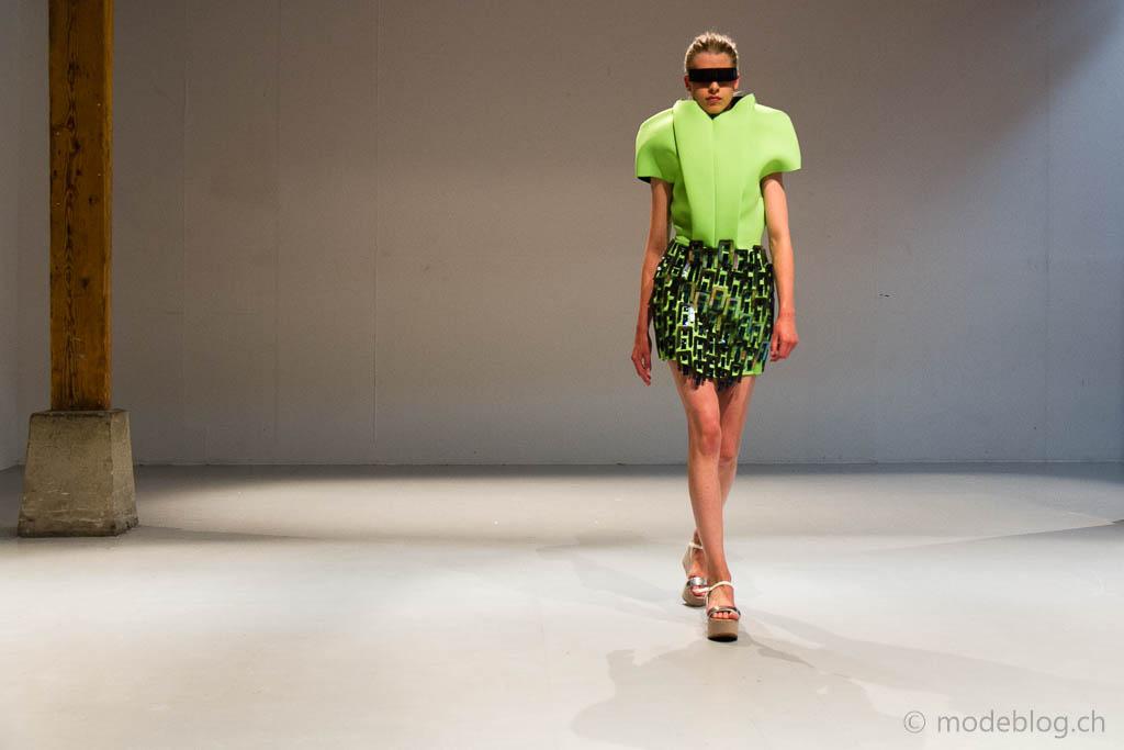 Modeschau Modeschule Zürich 2014 Chrisitna Ebert Cyborg